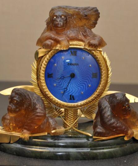 orangatan_clock
